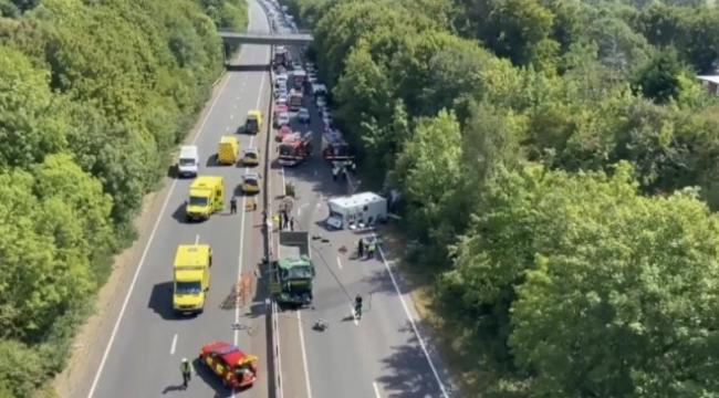 Cezaevi ring aracı kamyonetle çarpıştı: 4 yaralı