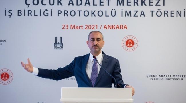 Abdulhamit Gül'den kadına şiddet ile ilgili anlamlı mesaj