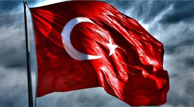 Bayrağı yırtmak, yakmak ve istiklal marşına hakaret etmenin cezası var mı?