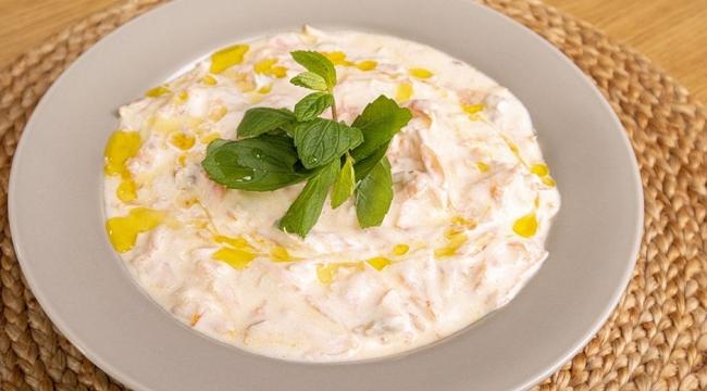 Yemeklerin yanına spesiyal arayanların uğrak noktası: Havuç tarator ve mor lahana sosu