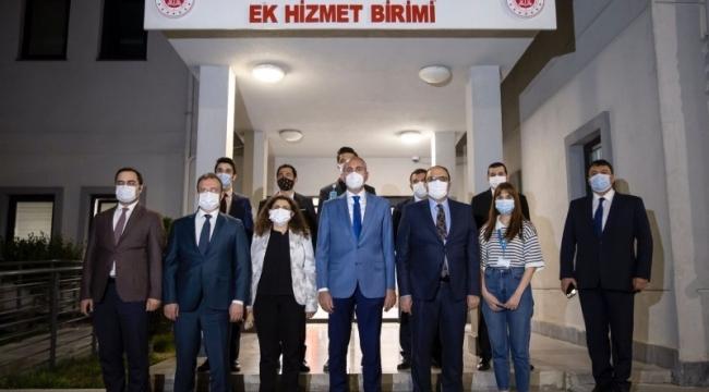 Adalet Bakanı Gül adliyede sahr yaptı