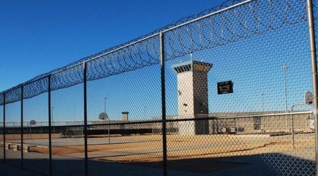 Cezaevinde kadın mahkumlara cinsel istismarda bulunuldu, cezaevi kapatıldı