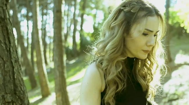 Zabıt katibi Derya İnan'ın yeni şarkısı yayınlandı